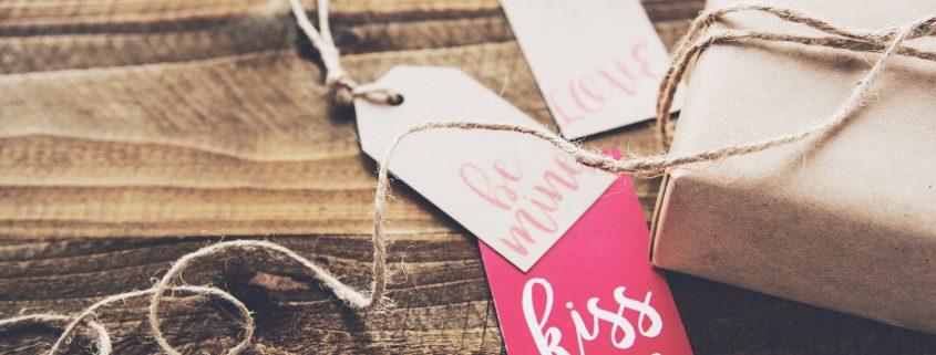 kiss-me-tag-box